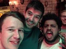 Na nog meer biertjes met Zuid-Afrikaan Kyle en Indiër Rounak.