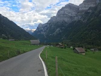 Op weg naar Klöntalersee.