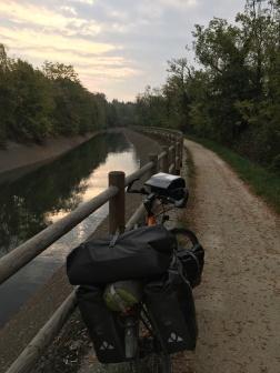 Langs kanalen naar het zuiden.