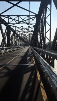 Eén van de zovele bruggen over de Po.
