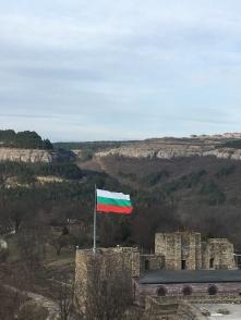 Vlag, ruïne - Veliko Tarnovo.