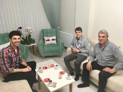 Thee en Turkse koffie bij Ömer & Alper.