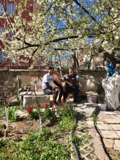 In de tuin van Etem.