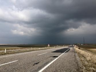 Donkere lucht na het verlaten van Kayseri.