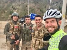 Met de mannen van de Jandarma.