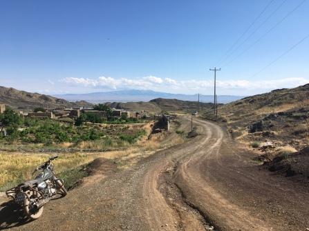 Bergen rondom Sabzevar.