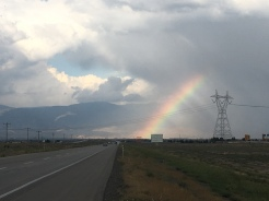 Regenboog boven Neyshabur.