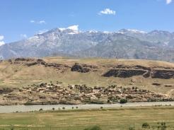 Eerste dorp in Afghanistan.