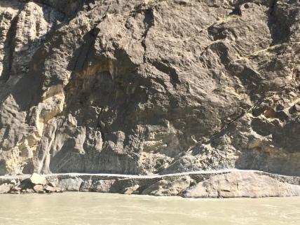 De weg aan Afghaanse zijde.