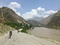 Met z'n 5 op stap van Qalai Khumb naar Murghab.