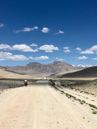 Laatste kilometers in de Wakhan.