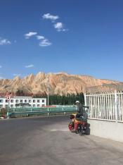 Aitor, eerste dag op de fiets in China!