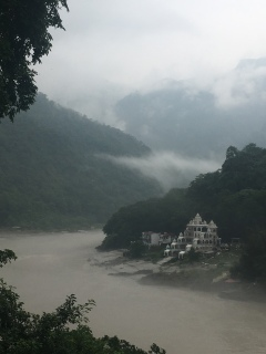 Rishikesh - Ganges rivier.