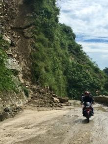 Veel landslides door het regenseizoen.