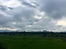 Zicht op de heuvels in de ochtend.