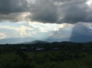 Myanmar is ook niet helemaal vlak :).