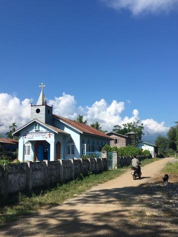 Kerken zijn naast de vele boeddhistische tempels ook hier en daar terug te vinden.
