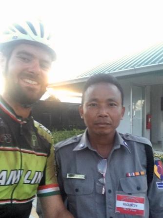 De grensofficier (bij de verkeerde grenspost) wilde graag een selfie.