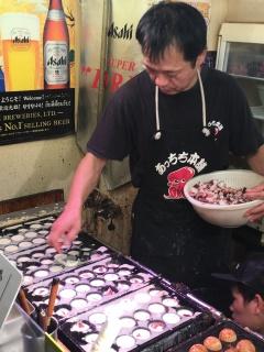Takoyaki. Inktvisballetjes.