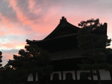 Tempels bij zonsondergang.