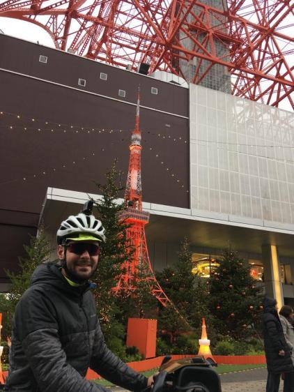 Bij aankomst aan de Tokyo Tower.